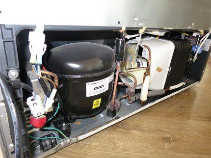 Нижний компрессор у холодильника Side-by-Side