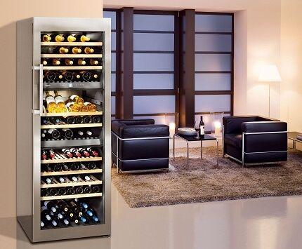Винный холодильный шкаф в частном доме