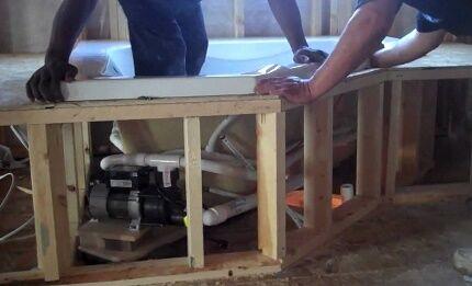 Сооружение каркаса для гидромассажной ванны