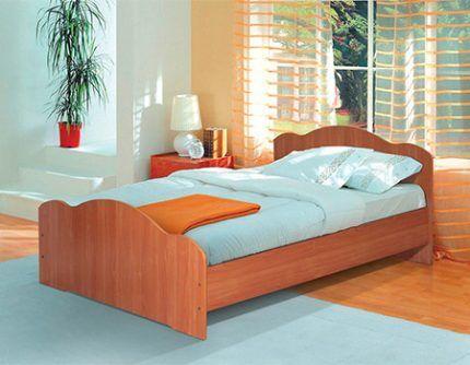 Кровать со свободным нижним простанством