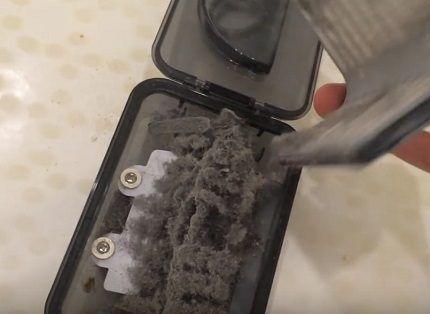Пылесборник робота переполнен