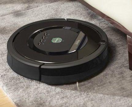 Модель iRobot Roomba 880