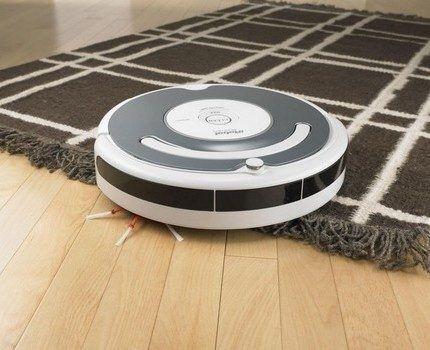 Робот-пылесос со щетками