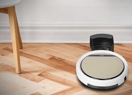 Робот-пылесос iLife V5s убирает