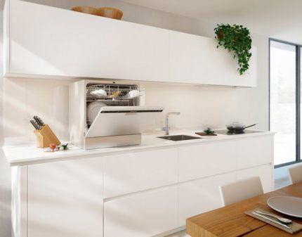 Расположение посудомойки на столе