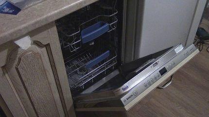 Установка посудомойки Bosch