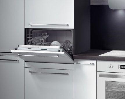 Агрегат в интерьере кухонного помещения