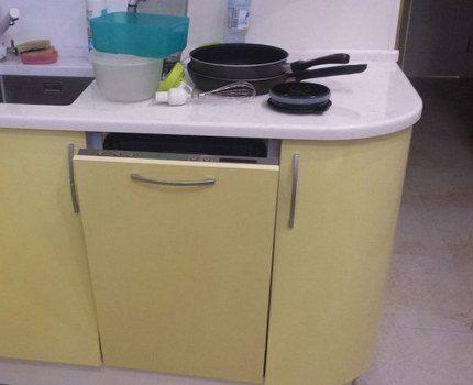 Встроенная посудомоечная мащина