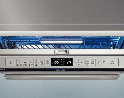 Посудомоечная машина с дисплеем