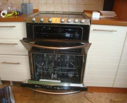 Посудомойка с духовкой и варочной поверхностью в одном модуле