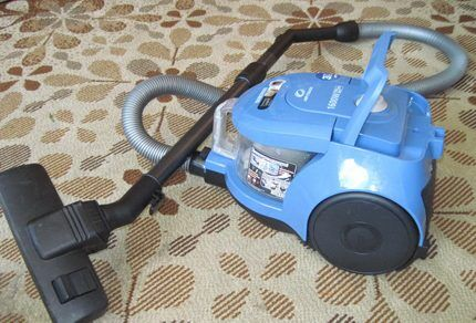 Working complete set of the vacuum cleaner
