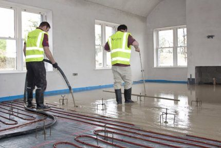 Fill the floor with cement mortar