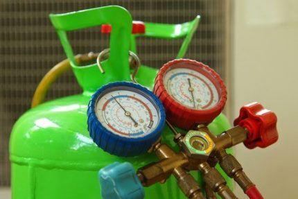 Профессиональный манометр для работы с газами