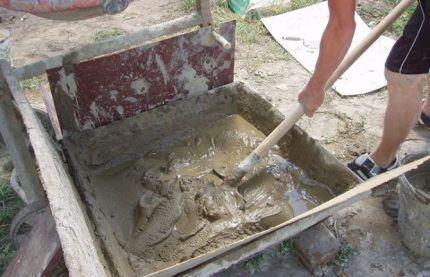 Замешивание бетонного раствора