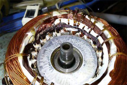 Поврежденная обмотка компрессора