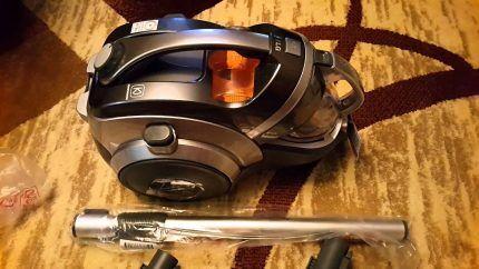 Новый пылесос LG2000w