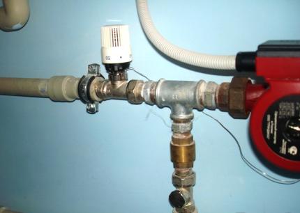Терморегулятор на трубе