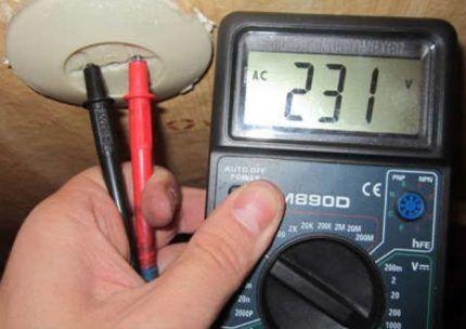 Измерение напряжения мультиметром