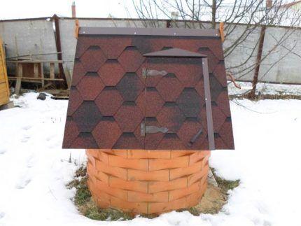 Колодезный домик дешевле приобретать зимой
