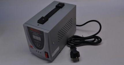 Стабилизатор с кабелем для подключения к сети