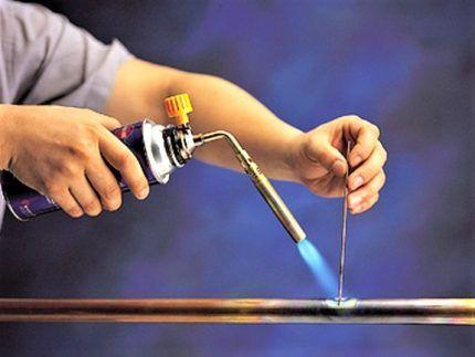 Газовая горелка для пайки медной трубы