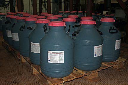 Емкости с реагентами для очистки воды