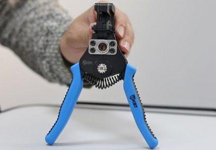 Стриппер КВТ для зачистки проводов