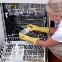 Как почистить посудомоечную машину в домашних условиях: механические и химические способы чистки посудомойки