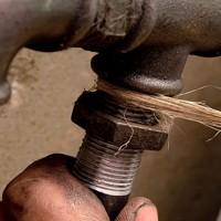 Достоинства и недостатки соединения стальных труб на резьбе