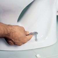 Как снять старый унитаз: технология демонтажа старой сантехники