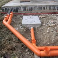 Прокладка канализационных труб в земле: технологические правила и нюансы