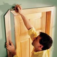 Как установить межкомнатную дверь без порога и с порогом: этапы монтажа своими руками