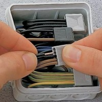 Клеммы для соединения проводов: какие клеммники лучше и как с ними работать