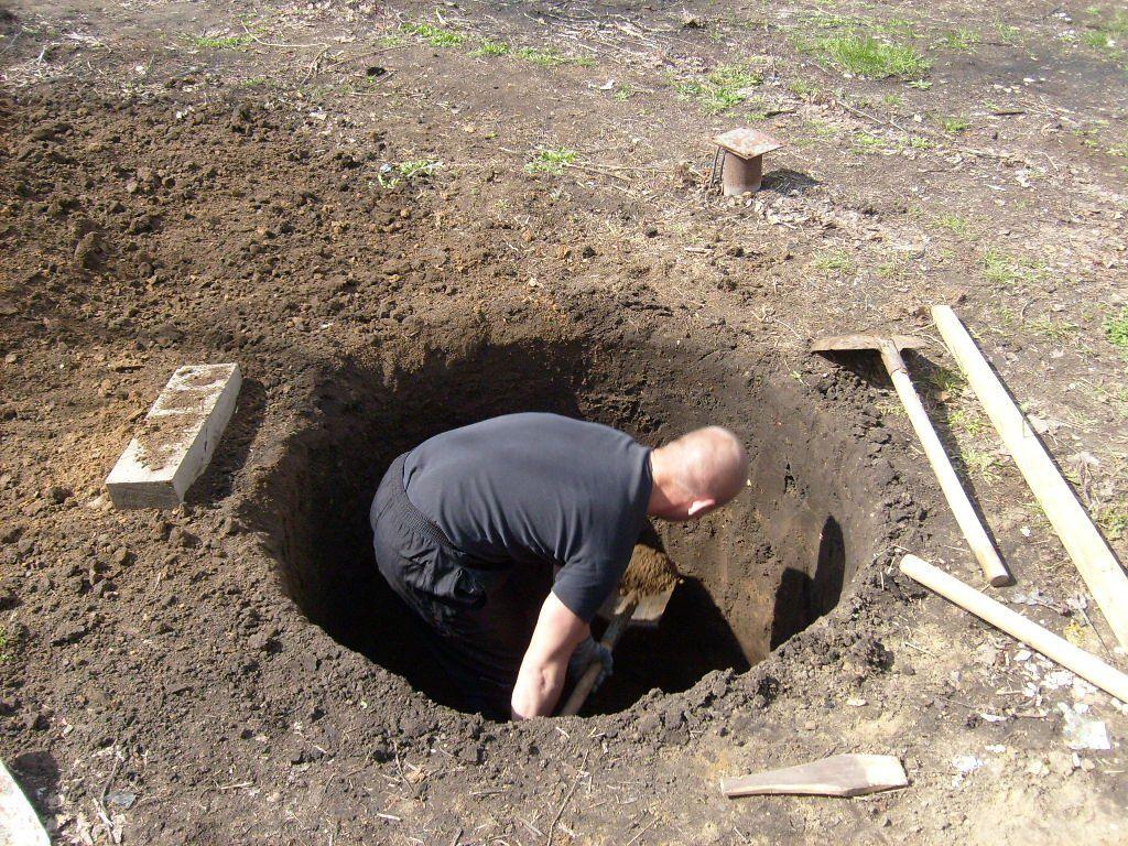 До какого грунта копать колодец
