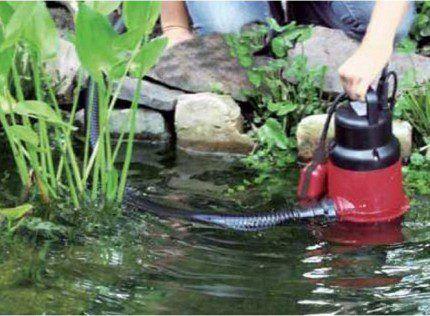 Откачивание из природного водоема