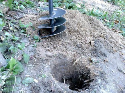 Инструмент для бурения скважины