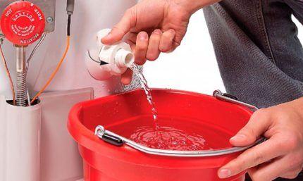 Как нужно сливать воду из водонагревателя