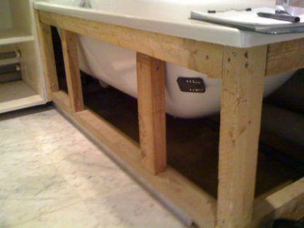 Деревянный каркас для ванны
