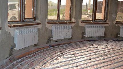 Монтаж батарей отопления в объемном помещении
