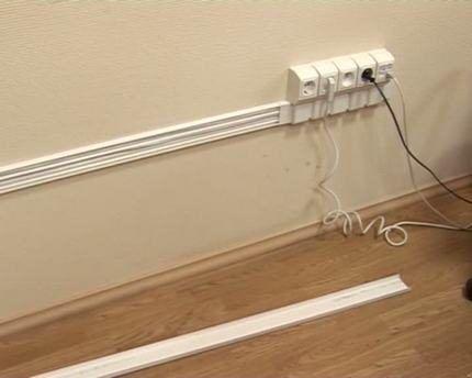 Провод в пластиковом кабель канале