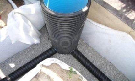 Днище пластикового колодца