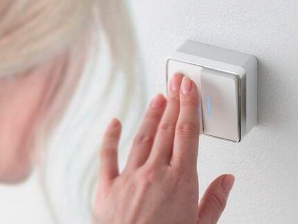 Двухклавишный выключатель для открытой проводки