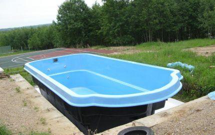 Готовая чашу для бассейна