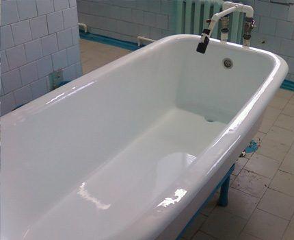 Ванна, восстановленная жидким акрилом
