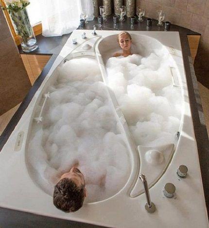 Нестандартные формы акриловой ванны