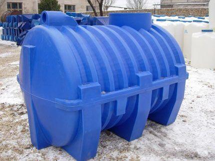 Пластиковый резервуар