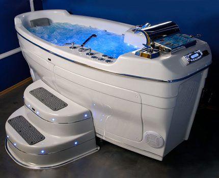 Гидромассажная ванна-трон