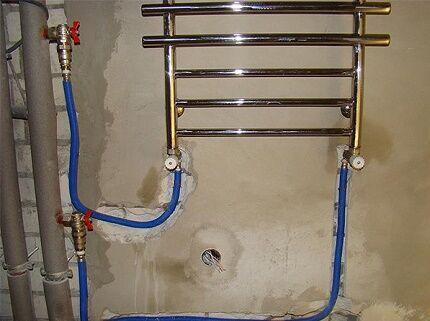 Скрытая прокладка трубопровода к полотенцесушителю