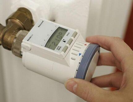 Электронный тип регуляторов температуры в батареях
