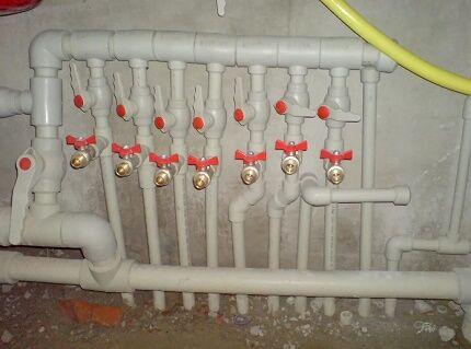 Коллекторная сборка водопровода из полипропилена